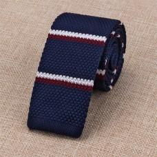 Gebreide stropdas donkerblauw met donkerrood-witte strepen