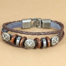 Leren armband met houten en metalen ringen