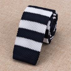 Gebreide stropdas donkerblauw wit gestreept